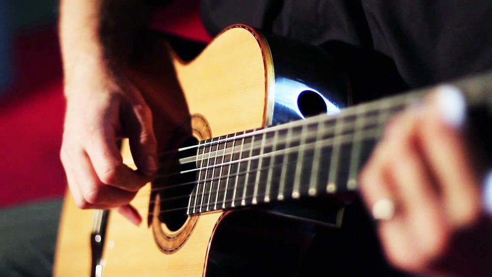 gitaarstandaard kopen, gitaarkoffer kopen, gitaarsnaren kopen